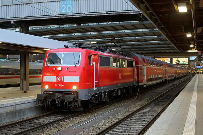 111181 München Hbf 22/2/2016<br /> RB59104 1729 München Hbf-Nürnberg Hbf