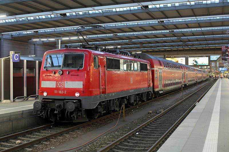 111182 München Hbf 22/2/2016<br /> RB59157 1439 Nürnberg Hbf-München Hbf