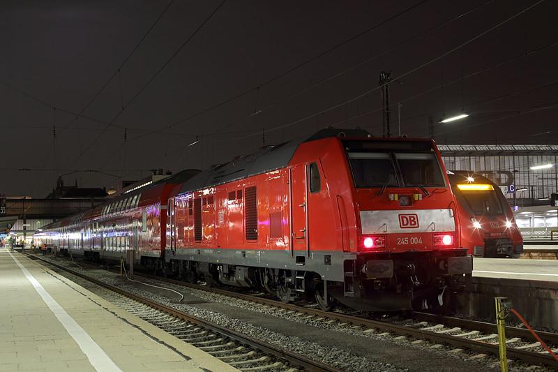 245004 München Hbf 22/2/2016<br /> RE57420 2020 München Hbf-Memmingen