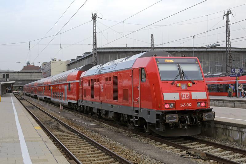 245002 München Hbf 22/2/2016<br /> RE57416 1740 München Hbf-Memmingen