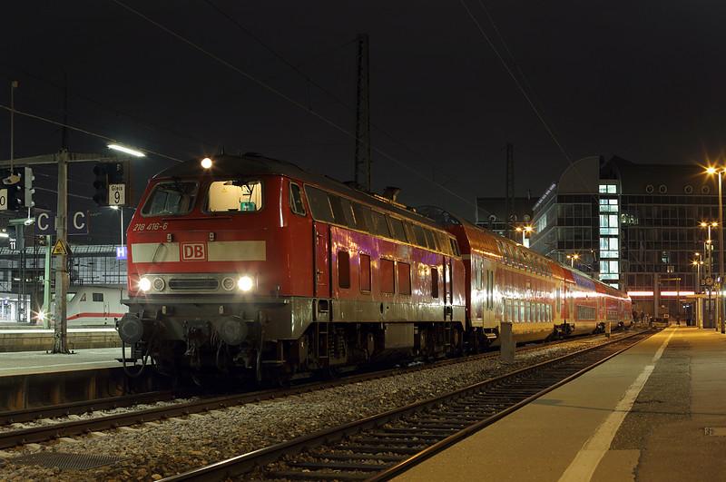 218416 München Hbf 22/2/2016<br /> RB27073 2027 München Hbf-Muhldorf