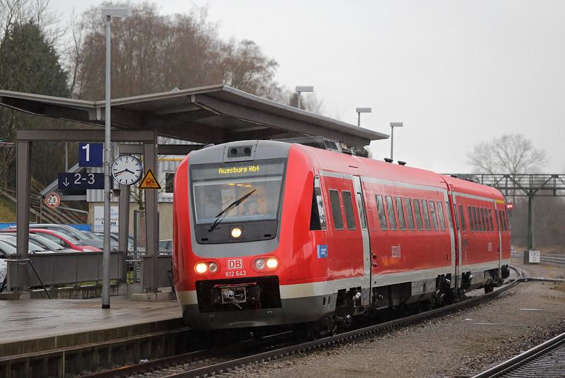 612143 Hergatz 23/2/2016<br /> RE3291 1525 Lindau Hbf-Augsburg Hbf