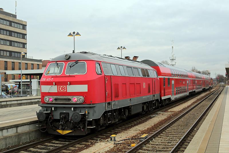 218411 Memmingen 23/2/2016<br /> RB57415 0739 Memmingen-München Hbf