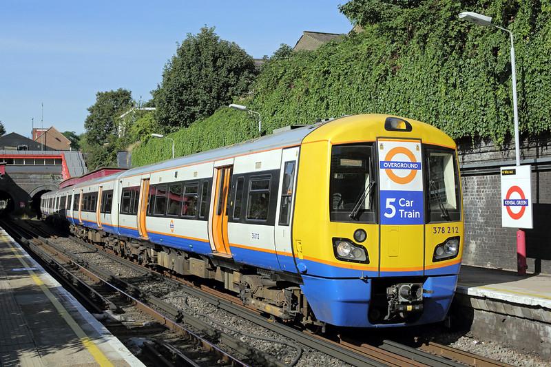 378212 Kensal Green 23/9/2016<br /> 2C16 1001 Watford Junction-London Euston