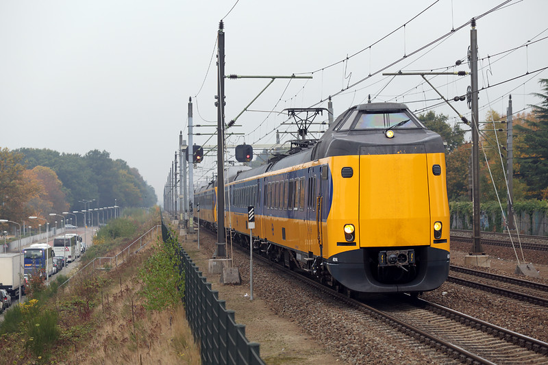 4014 and 4025, Eindhoven Strijp-S 24/10/2016<br /> 1945 1222 Den Haag Centraal-Eindhoven