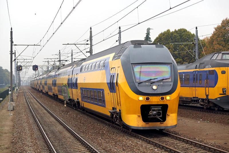 8726 and 9554, Eindhoven Strijp-S 24/10/2016<br /> 847 1226 Alkmaar-Maastricht