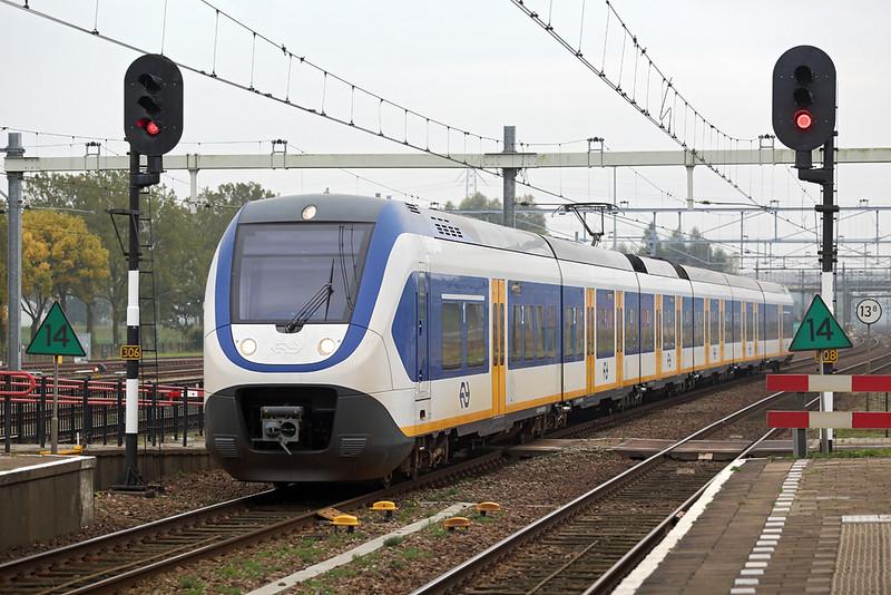 2621 Lage Zwaluwe 24/10/2016<br /> 5084 1042 Breda-Den Haag Centraal