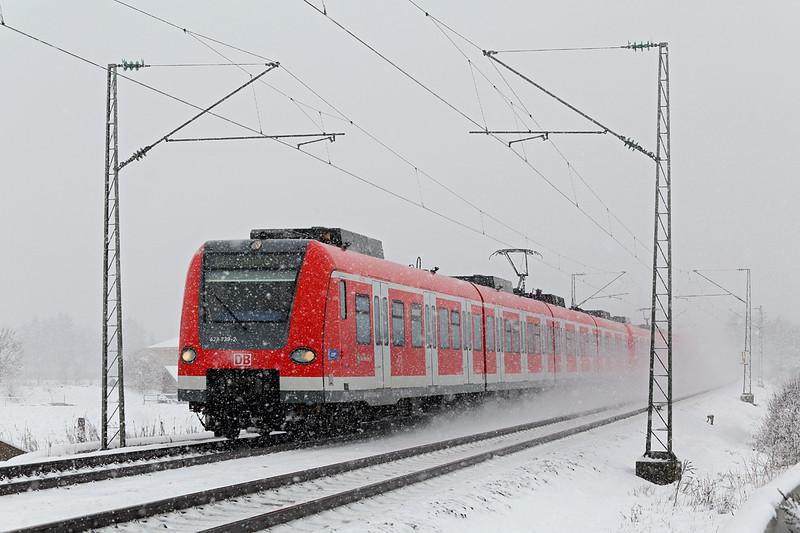 423739 München-Aubing 25/2/2016<br /> S4 0901 Grafing-Buchenau