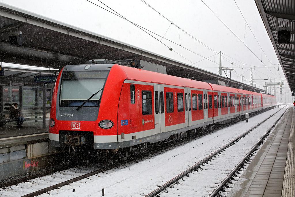 423565 München-Pasing 25/2/2016<br /> S3 0842 Maisch-München Ost