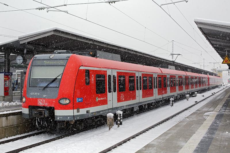 423351 München-Pasing 25/2/2016<br /> S3 0844 Mammendorf-Dienshoffen