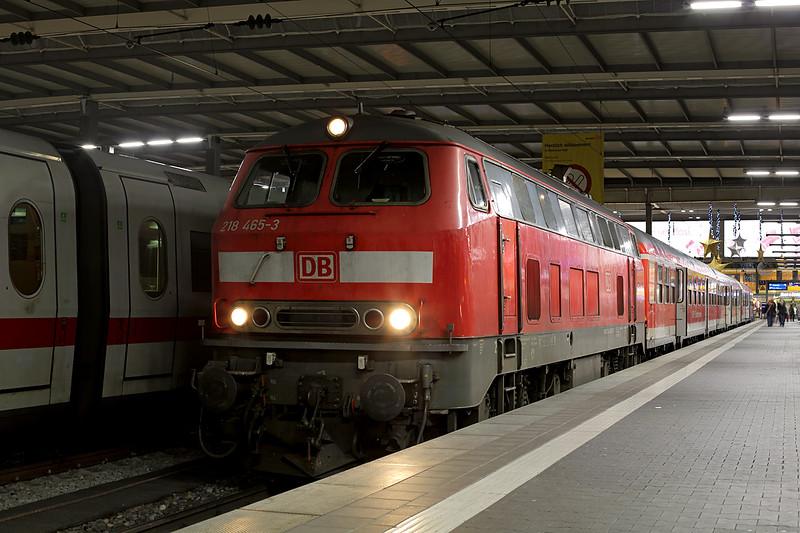 218465 München Hbf 28/11/2016<br /> RB27071 1948 München Hbf-Muhldorf