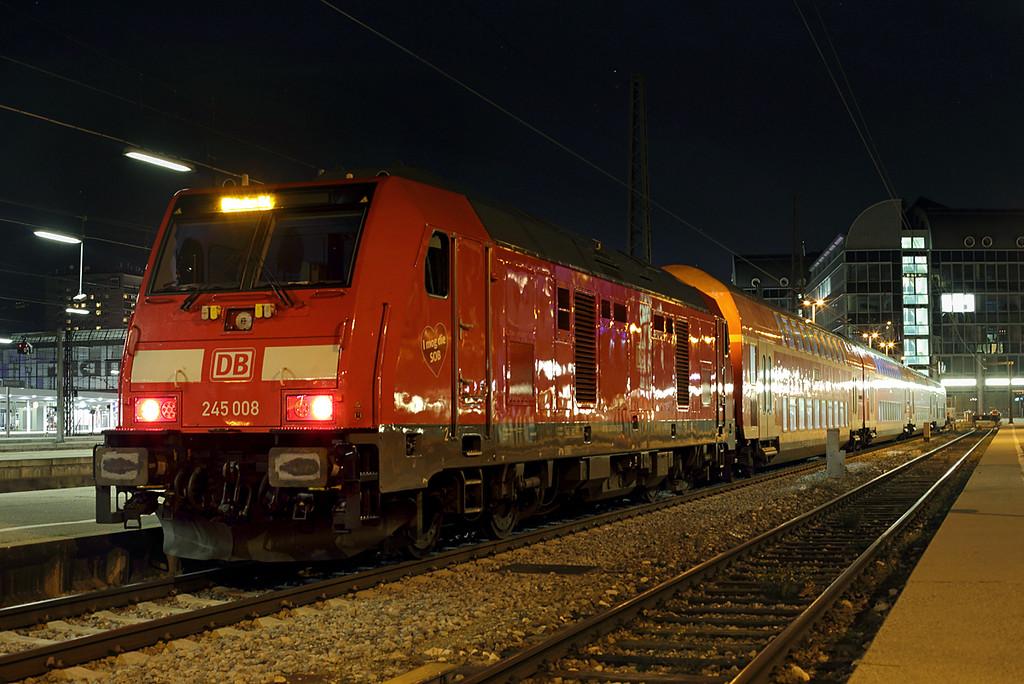 245008 München Hbf 28/11/2016<br /> RB27077 2027 München Hbf-Muhldorf