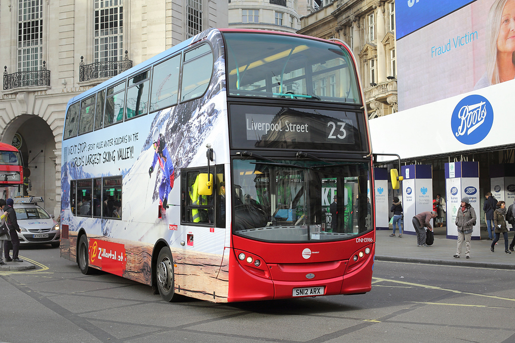 DNH39116 SN12ARX, Piccadilly Circus 3/1/2017