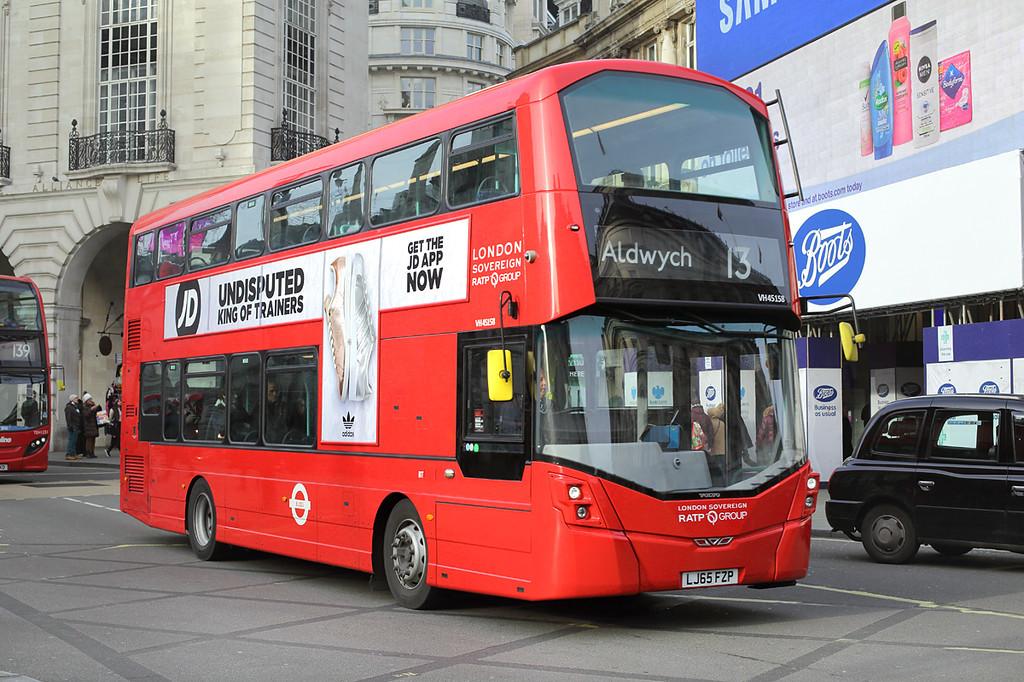 VH45158 LJ65FZP, Piccadilly Circus 3/1/2017