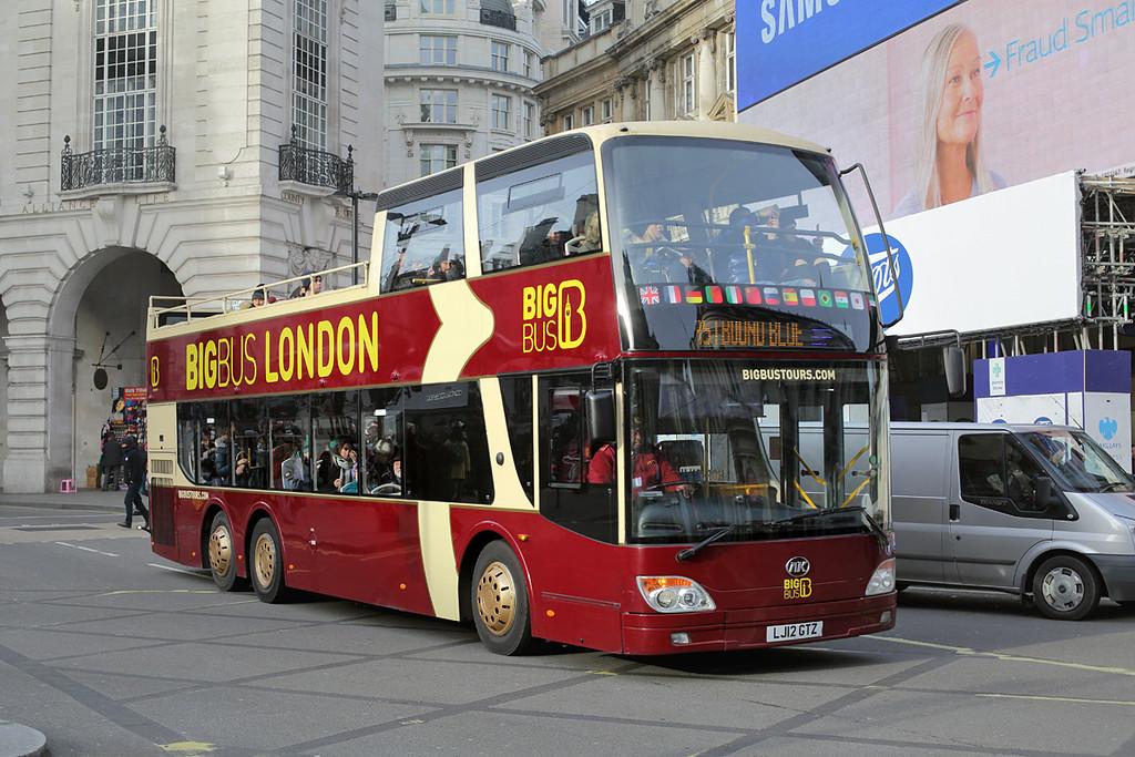 AN330 LJ12GTZ, Piccadilly Circus 3/1/2017
