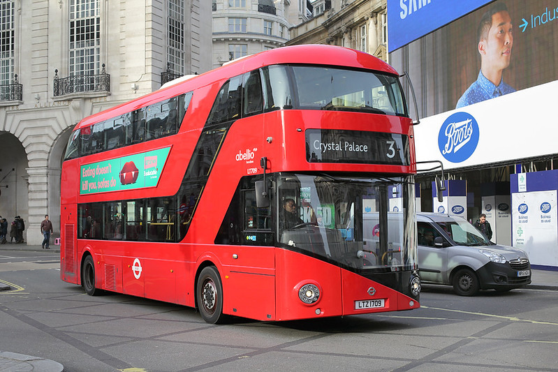 LT709 LTZ1709, Piccadilly Circus 3/1/2017