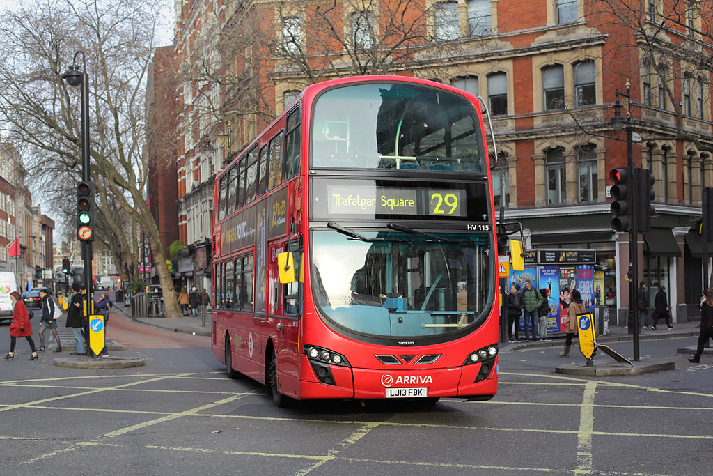 HV115 LJ13FBK, Cambridge Circus 3/1/2017