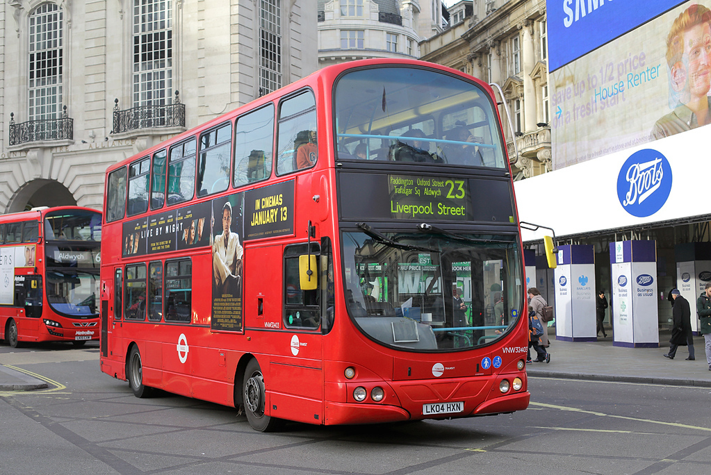 VNW32403 LK04HXN, Piccadilly Circus 3/1/2017