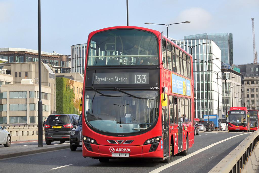 HV30 LJ11EFW, London Bridge 7/9/2017