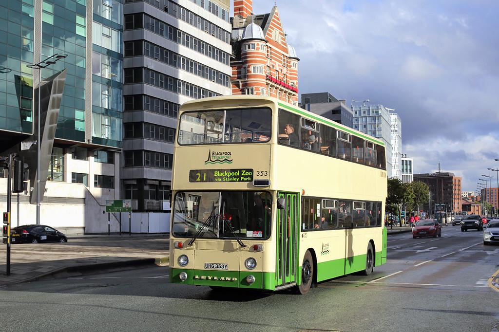 353 UHG353Y, Liverpool 10/9/2017