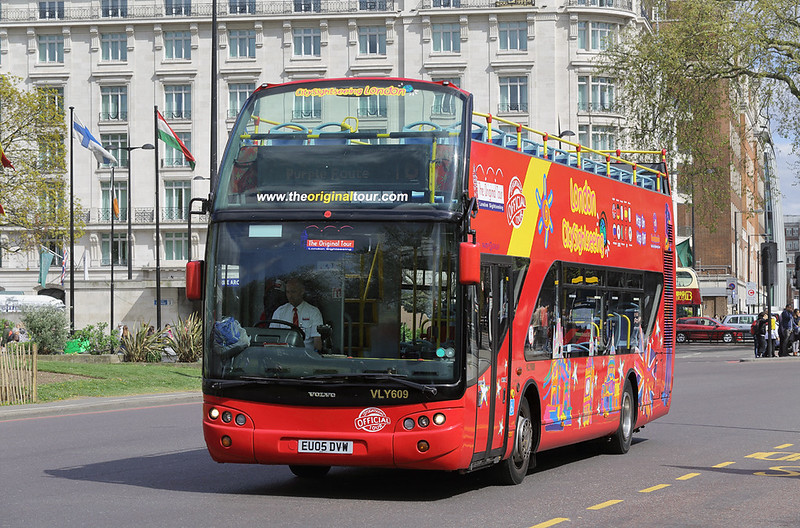 VLY609 EU05DVW, Marble Arch 15/4/2017