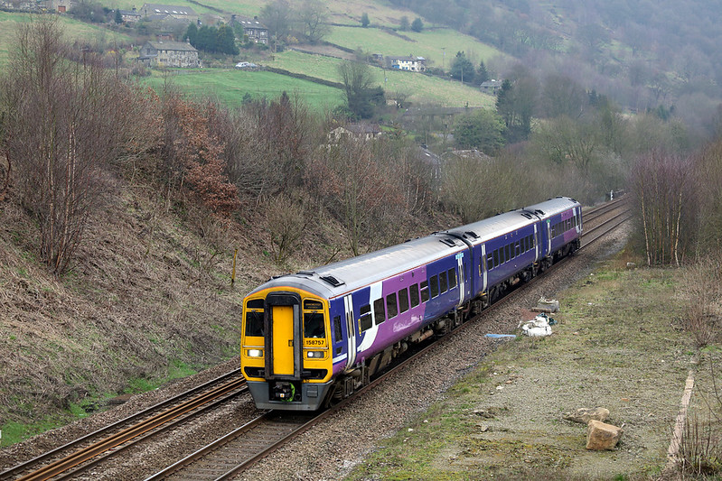 158757 Eastwood 16/3/2017<br /> 2M40 0951 Leeds-Manchester Victoria