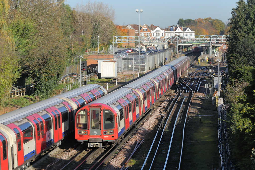 Central Line 91041, Woodford 17/11/2017