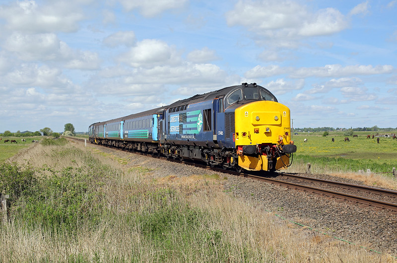 37405 and 37419, Halvergate Marshes 23/5/2017<br /> 2P18 1036 Norwich-Great Yarmouth