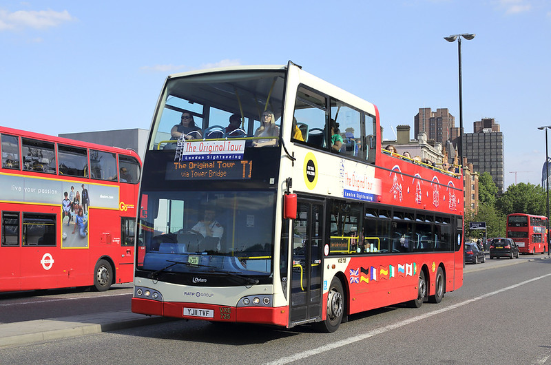 VXE725 YJ11TVF, Waterloo Bridge 25/8/2017