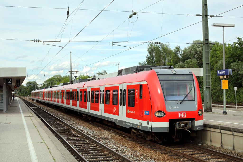 423090 Freising 30/6/2017<br /> S1 1754 Freising-München Ostbahnhof