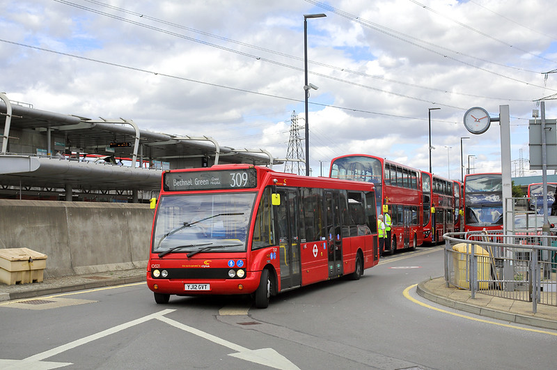 OS21 YJ12GVT, Canning Town 8/8/2018