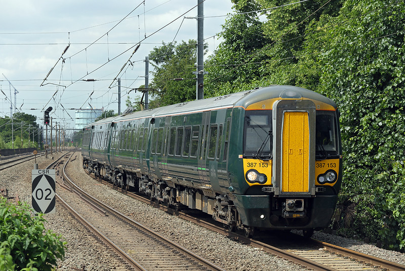387153 Hanwell 15/6/2018<br /> 2P33 1049 Reading-London Paddington