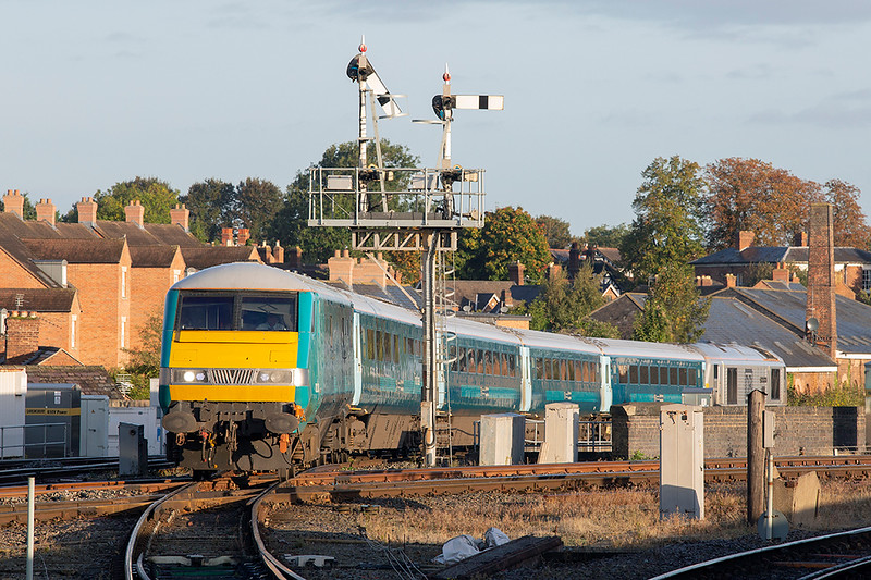 82306 and 67029, Shrewsbury 24/9/2018<br /> 1V91 0534 Holyhead-Cardiff Central