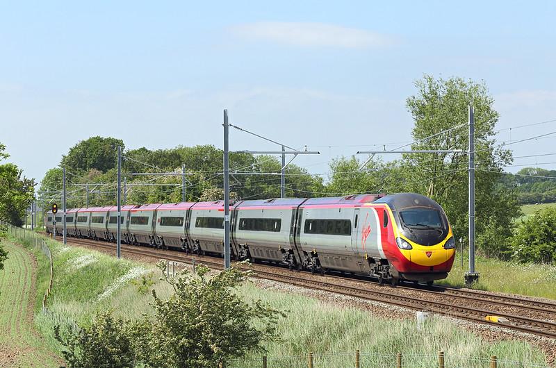 390138 Treales 29/5/2018<br /> 1A92 1302 Blackpool North-London Euston