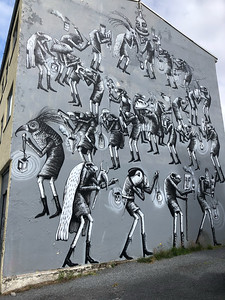 A lot of the buildings in Reykjavik had paintings on them