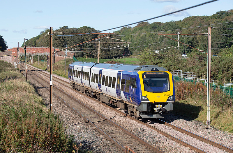 195007 Woodacre 2/10/2019<br /> 1U97 1353 Barrow in Furness-Manchester Airport