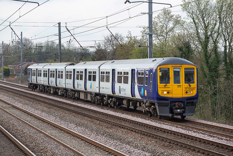 319367 Euxton 9/4/2019<br /> 1N82 0856 Liverpool Lime Street-Blackpool North