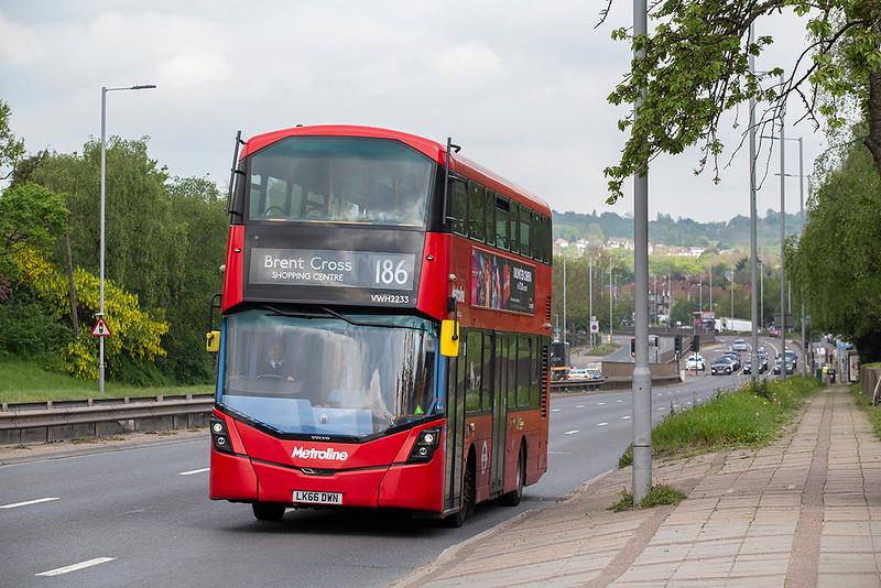 VWH2233 LK66DWN, Hendon 30/4/2019