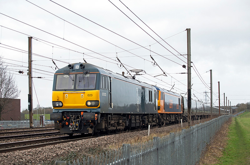 92023 and 92020, Farington 1/2/2020<br /> 1M16 2045 Inverness-London Euston