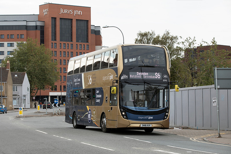 10990 SN18KUX, Swindon 28/9/2020