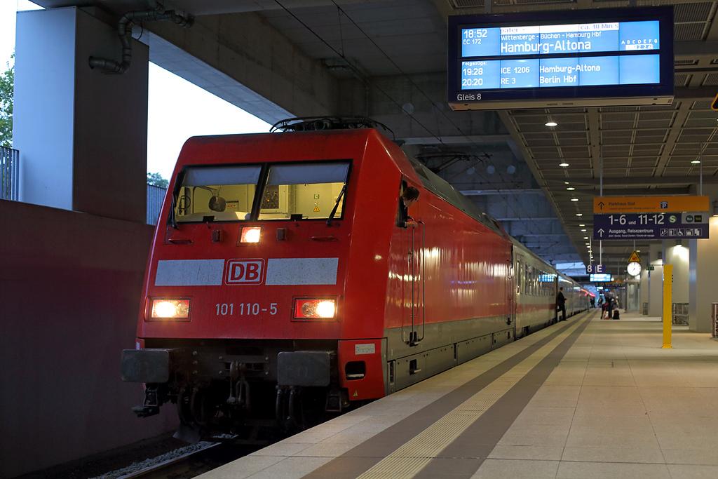 101110 Berlin-Sudkreuz 21/9/2017<br /> EC172 0725 Budapest Keleti-Hamburg Altona