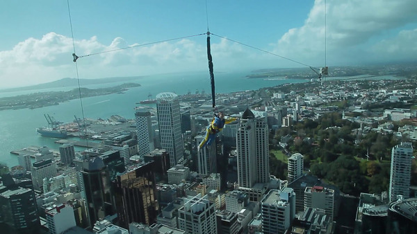 Sky jumper from the Sky Tower in Auckland, NZ (5D0_7849)