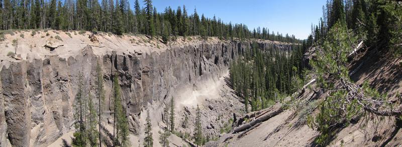 Basalt, vulcanic rock patterns, near Lost Creek Campsite in Crater Lake National Park