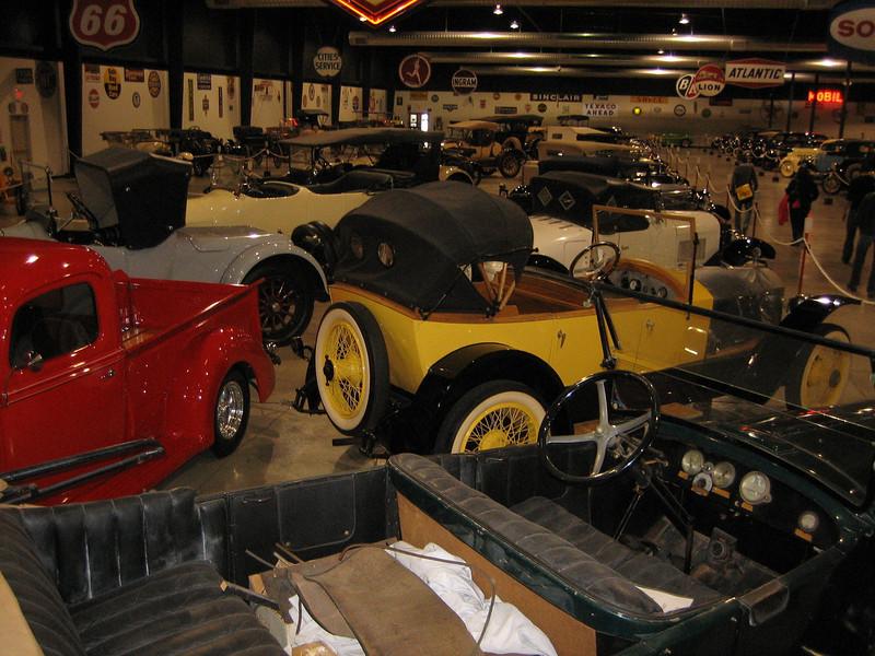 (Automobile Museum)