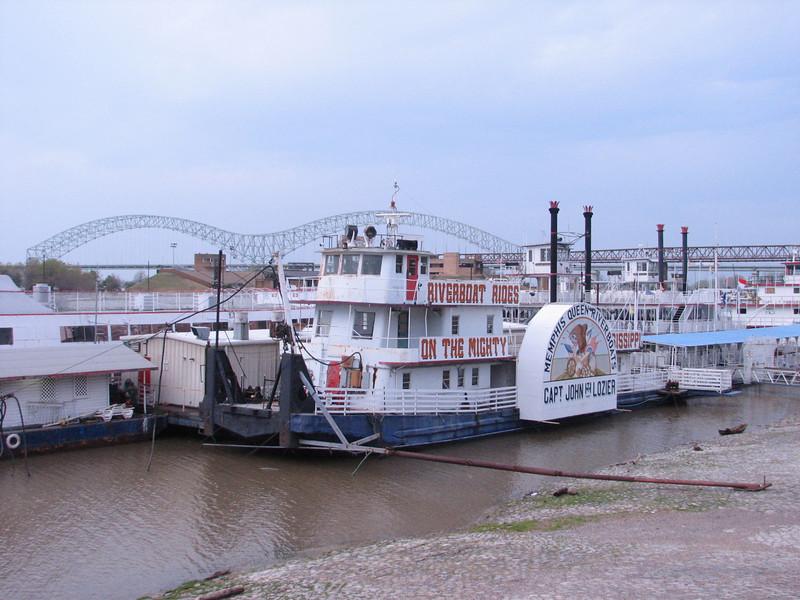 (Mississippi river)