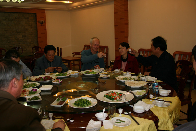 raise one's glass, toast with moutai (40%), welcome diner ICVC, Huainan