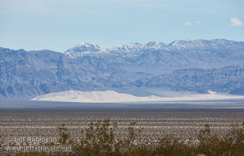 (3/8/2016, drive to Eureka Dunes, Death Valley trip)<br /> EF100-400mm f/4.5-5.6L IS II USM @ 241mm f/8 1/800s ISO200