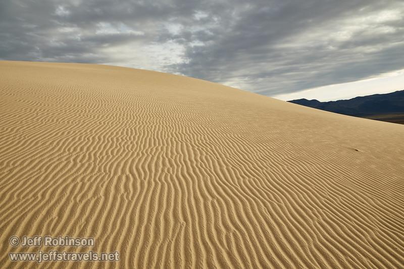 (3/8/2016, Eureka Dunes, Death Valley trip)<br /> EF24-105mm f/4L IS USM @ 24mm f/11 1/200s ISO400