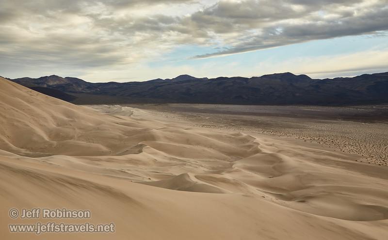 (3/8/2016, Eureka Dunes, Death Valley trip)<br /> EF24-105mm f/4L IS USM @ 40mm f/8 1/250s ISO200