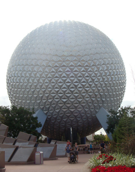 Spaceship Earth had been updated since the last time we were here. It was very great~